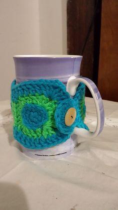 Dotty mug hug... Could modify for a bracelet!!... Free pattern!