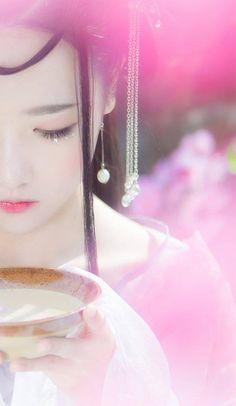 Geisha, Fantasy Romance, China Girl, Peach Blossoms, Fantasy Dress, Hanfu, Chinese Culture, Ulzzang Girl, Cosplay Girls