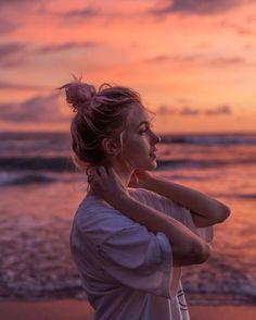 Dara Muscat - Photography, Landscape photography, Photography tips Beach Photography Poses, Portrait Photography Poses, Beach Portraits, Summer Photography, Beach Fashion Photography, Sunflower Photography, Teenage Girl Photography, Toddler Photography, Film Photography