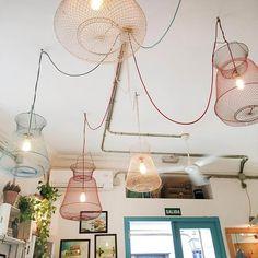 cafe-lampen-drahtgestell-madrid-vintage-interior-storeinterior