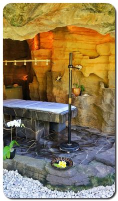 Tranquil Cave Spa Room....this is crazy but so cool!!
