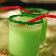 @Nora: might be interesting for xmas with ur parents?? The Non-alchoholic Grinch Cocktail - Sprite, Green Sherbert, Green Sprinkels & Sugar Rim {though I think I will also garnish with candy canes!}