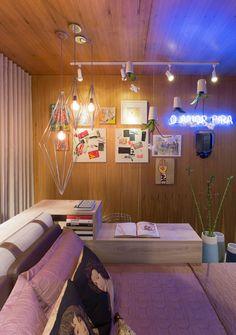 Escrivaninha do lado da cama! (espaço pequeno)