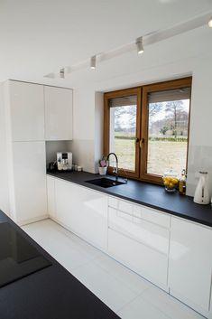 Kitchen Interior, Kitchen Decor, Kitchen Design, Living Place, Home Fashion, My Dream Home, Armoire, Kitchen Cabinets, House Design