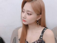 Twice-Tzuyu Instagram @twicetagram Nayeon, Twice Tzuyu, Chou Tzu Yu, Twice Once, Pearl Earrings, Hoop Earrings, Dahyun, Girl Photos, Mini Albums