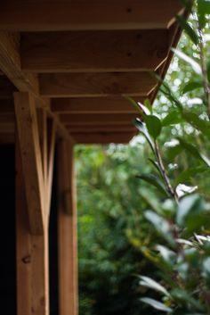 NuBuiten Project // Een douglas buitenverblijf met composiet vloer en berging in het prachtige plaatje Raamsdonkveer. Kijk hier voor Douglas buitenverblijven http://nubuiten.nl/buitenleven/buitenverblijf/douglasvision-buitenverblijven.html.