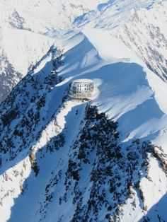 Cocoon on the summits - Roland, Ski instructor and summit guide Beautiful Sites, Beautiful Places, Chamonix Mont Blanc, Alpine Style, French Alps, Winter Scenes, Rock Climbing, Wonders Of The World, Places To See