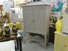 Chippendale Rattan Pagoda Cabinet