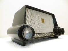 VINTAGE 1950s MOTOROLA SOLID BLACK BAKELITE & ATOMIC RETRO JETSONS RETRO RADIO #Motorola