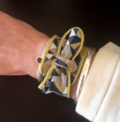 """bracelet feuille tiré du livre """"bracelets"""""""