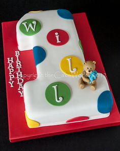 first birthday cakes | ... bear in icing on top of a first birthday cake in shape of a number one
