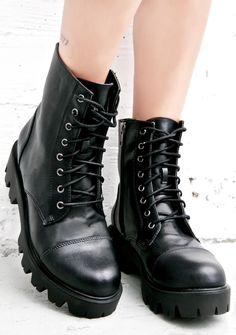 Soul Biker Boots  cuz yer gunna motor off into the sunset with the wind whippin' past yer face, babe. These awesome classikk boots feature a smooth black…