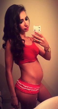 #4month #19weeks #pregnant #fitnessmama #fitmom #activepregnant #model #fitnessmodel #fitfeme #fit #healthy #happy #mummy #babylove #baby #sexy #mom
