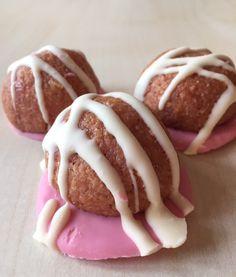 Vişne aromalı nefis hindistan cevizli coco kurabiye yapımı oldukça kolay tadı ise lezzetli,10 dakikanızı ayırarak sevdiklerinize nefis bir kurabiye hazırl