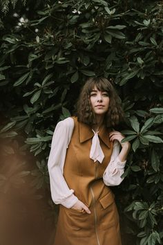 70'S GREENHOUSE PORTRAITS | behind the scenes video — Jessica Whitaker » portrait » girl » lady » boy » bro » guy » lady » woman » photography » session » lights » photo » instagram worthy » bro » dude » wassup man » pins for pins » pinterest » style » fashion » adventure » tones » shading » lighting » family »