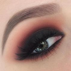 Nails & Makeup Make-up Ideen Smokey Eye Black Eyeshadow Tutorials Ideen What You Sh Cute Eye Makeup, Eye Makeup Steps, Gorgeous Makeup, Prom Makeup, Glitter Makeup, Coral Eye Makeup, Witchy Makeup, Makeup 2018, Glamorous Makeup