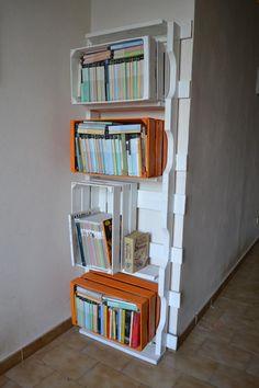Cassette riciclate per libreria