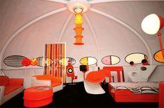 (via Retro To Go: Salon du Vintage - 60s/70s fashion and design exhibition in Paris)