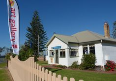 The Hastings Valley Fine Art Association Gallery, 2 William St #PortMacquarie http://www.hastingsvalleyart.net.au/
