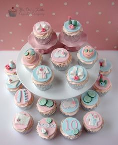 Check out these fun spathemed cupcakes these are great for a