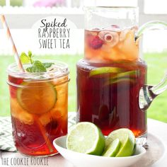 Spiked Raspberry Sweet Tea – The Cookie Rookie – Cocktails Refreshing Summer Cocktails, Tea Cocktails, Summer Drinks, Fun Drinks, Summer Parties, Pool Drinks, Party Drinks, Tea Party, Sweet Tea Recipes