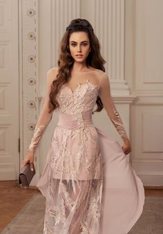 Rich in bright shades and a variety of silhouettes 'Allure' cocktail dresses collection brilliantly reflects all the latest trends in evening fashion. Evening Gowns With Sleeves, Long Evening Gowns, Spring Dresses, Prom Dresses, Formal Dresses, Lovely Legs, Short Cocktail Dress, Prom Night, Skirt Fashion