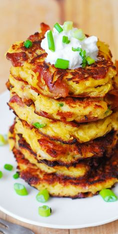 Bacon Spaghetti Squash  Parmesan Fritters. So unbelievably good! Kids love these - what a great way to incorporate veggies! Serve with a dollop of Greek yogurt. #gluten_free #snacks #appetizers