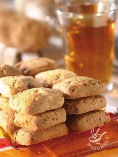 Se cercate una ricetta di biscottini semplici, rustici e genuini... eccola qua! Agli Anicetti al vino bianco non si può dire di no!