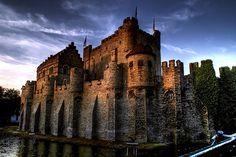 Gravensteen Castle - Belgium  http://www.roxanneardary.com/wp-content/uploads/2007/10/Gravensteen-Castle.jpg
