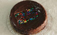 Bolo de número.  Especial para aniversários :)  www.ideiastrocadas.com