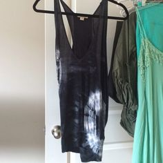 Tie dye tunic Fits mostly all sizes! Great for festival season Forever 21 Tops Tunics