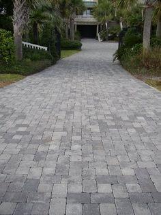 Tumbled Cobblestone Concrete Paver Driveway