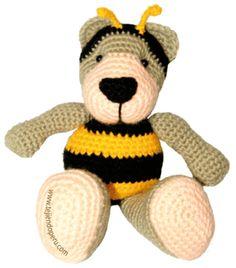 En la página encuentran las instrucciones para tejer este osito disfrazado de abeja!!