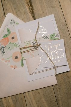 One of my favorite invitations is now available in FOIL STAMPING!! It's perfect with the floral envelope liner and blush accents along with the twine and tag. KATHRYN Suite Rustic Package
