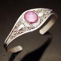 Bijoux Ethniques Népal Indien Bracelet Argent et Rubis Rose
