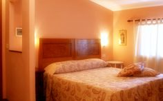 Our rooms are furnished with Air-conditioning, private bathroom, LCD TV and a safe. There is also free WI-FI connection.  Le camere sono dotate di bagno, aria condizionata, tv e cassaforte, wi-fi gratuita.