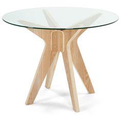 Nur weil du wenig Platz hast, musst du noch lange nicht auf dem Sofa essen. Speise mit Stil auf einem Tisch, der auch in einen kleinen Raum passt.