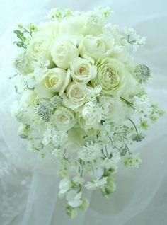 ブーケ ひとひらずつを  : 一会 ウエディングの花 Bride Flowers, Bride Bouquets, Floral Bouquets, Wedding Flowers, Romantic Wedding Colors, Floral Wedding, Ikebana Flower Arrangement, Floral Arrangements, Amnesia Rose