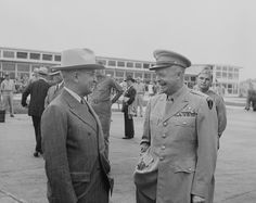 US President Harry Truman and General Dwight Eisenhower, Washington National Airport, Arlington, Virginia, 18 Jun 1945 (US National Archives)