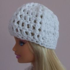 Free crochet pattern for a Ribbed Barbie Hat