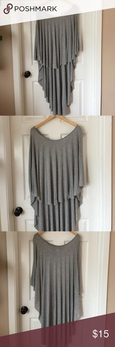 Urban Outfitters High-Low Kaftan Silence + Noise. 100% Rayon. Heather gray. Size XS/S Urban Outfitters Other