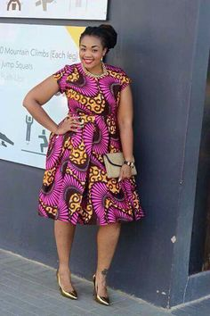 Like the Africans, they have a preference to wear a colorful dresses when they are going to attend a wedding party. Just take a look at these African wedding guest dresses. Latest African Fashion Dresses, African Inspired Fashion, African Print Dresses, African Print Fashion, Africa Fashion, African Dress, Fashion Prints, African Prints, African Attire