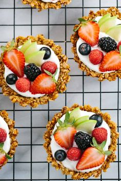 Breakfast Granola Fruit Tart with Yogurt Recipe - Customize your favorite fillings and toppings in the crunchy granola crust! A delicious brunch or healthy dessert idea. Yogurt Breakfast, Breakfast Recipes, Dessert Recipes, Breakfast Potluck, Breakfast Appetizers, Cute Breakfast Ideas, Party Recipes, Birthday Breakfast, Breakfast Casserole