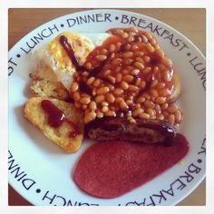 Brunch: fried bread, duck egg, meat free Lincolnshire sausage, facon, baked beans, condiments (962kcal)