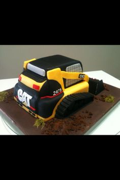 Bobcat cake
