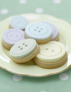 The Cake Parlour - Button Cookies / via Raspberry Wedding Button Cookies, Cute Cookies, Easter Cookies, Button Cake, 1 Button, Cupcakes, Cupcake Cookies, Sugar Cookies, Baking Cookies