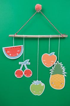 Create a simple and lovely fruit mobile with our free printable! Creative Activities For Kids, Creative Arts And Crafts, Paper Crafts For Kids, Creative Food, Summer Art Projects, Summer Crafts, Projects For Kids, Toddler Crafts, Preschool Crafts
