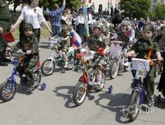 Russian 'child troops' march in mock military parade - watch on - uatoday.tv