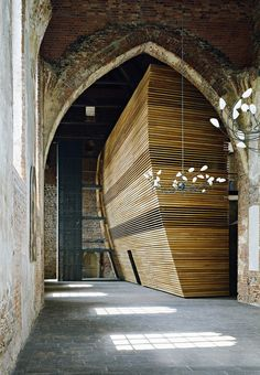 bibliothèque église Sainte-Marie Muncheberg #anciensEtModernes #boiteDansLaBoite
