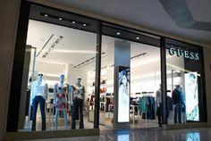 Chic e Fashion: GUESS inaugura denim concept store no Brasil